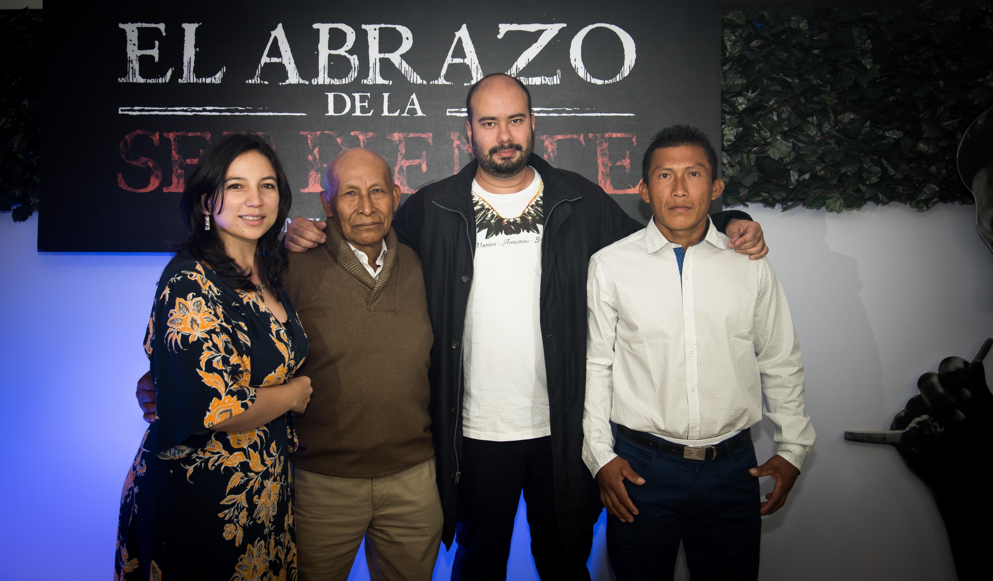 Cristina Gallego, Productora de la película, en compañía del actor Antonio Bolívar, el Director Ciro Guerra y Nilbio Torres, quien hace parte del elenco.