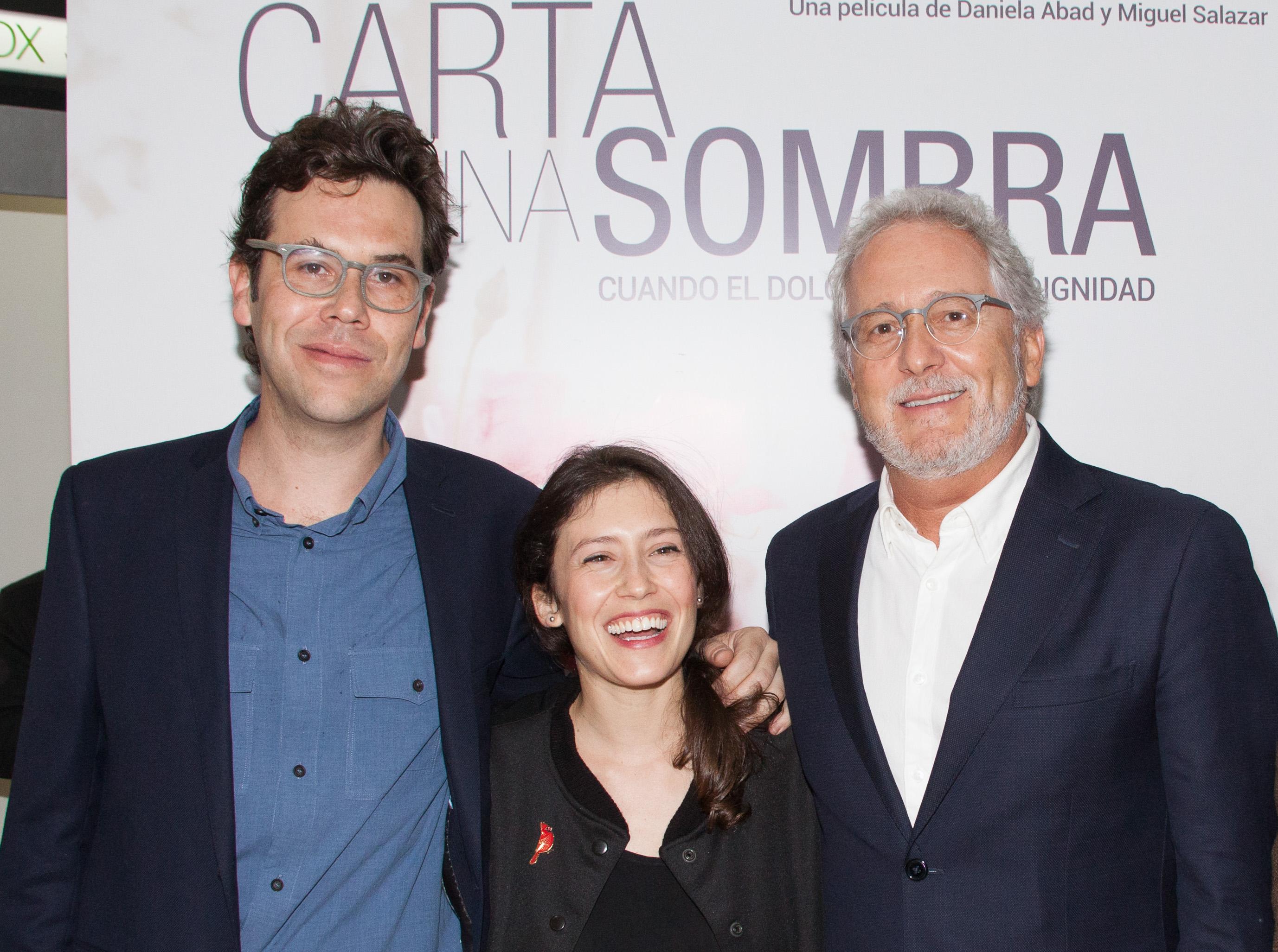 Miguel Salazar, Daniela Abad y Héctor Abad Faciolince