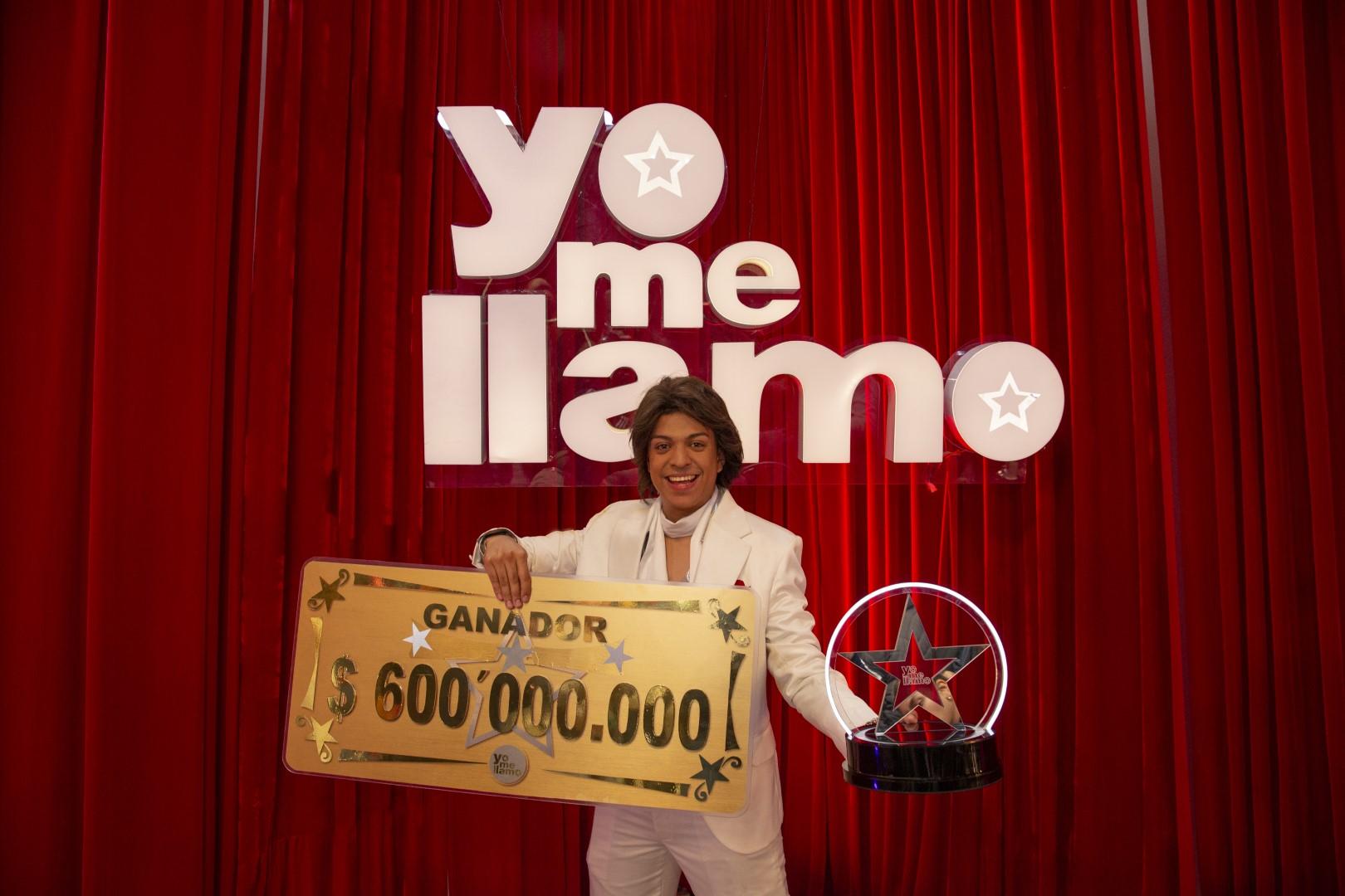 Roberto Carlos es el doble exacto elegido por Colombia